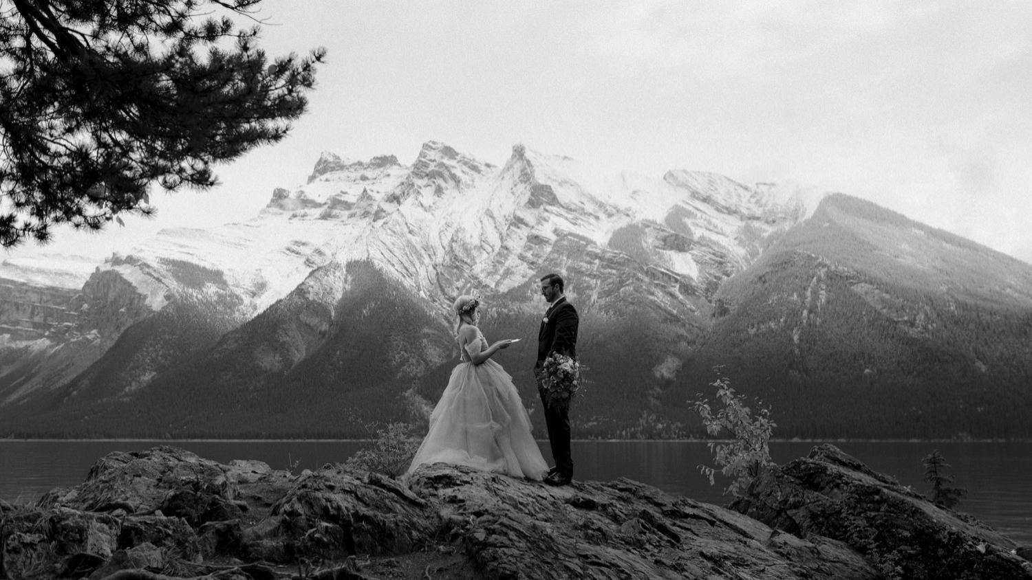 Banff Elopement at Lake Minnnewanka